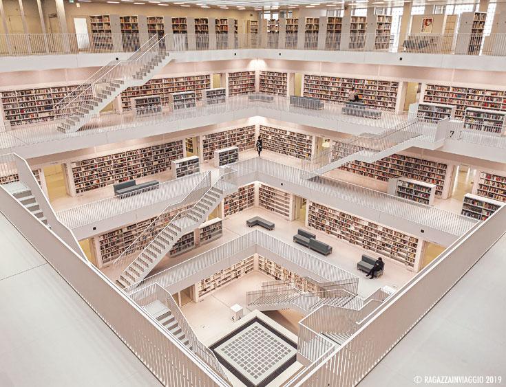biblioteca civica stoccarda