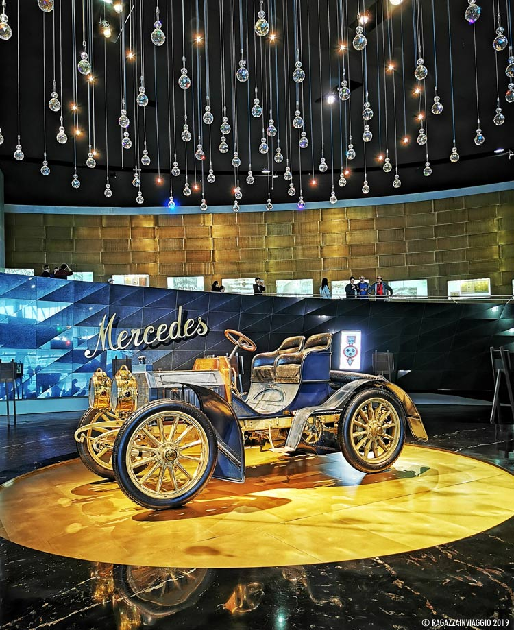 museo mercedes stoccarda